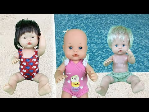 Baby Doll toys in the pool school.First class swimming.New full episode spanish