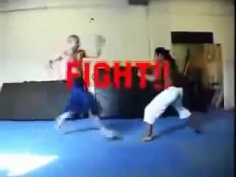 Capoeira vs Muay Thai