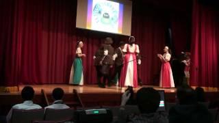 Английский танец - Школа при Посольстве РФ в Японии(Костюмы представлены