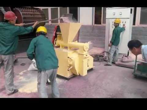 sell 500-1500kg/h animal feed pellet machine.flv