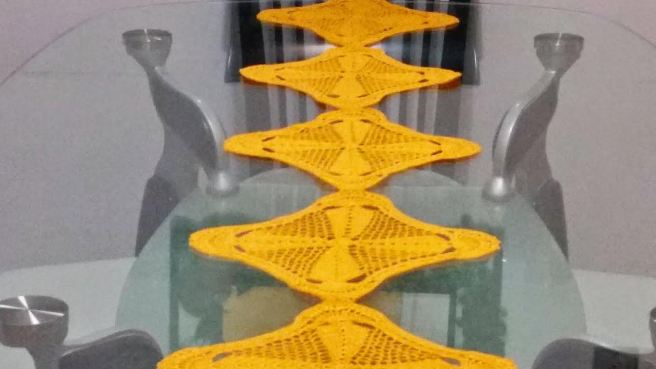 Camino de mesa cuadros en crochet 3 youtube for Camino mesa moderno