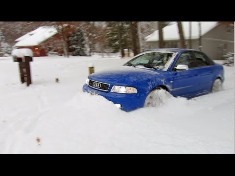 500 hp Audi S4 quattro vs 12″+ of fresh snow!  Unstoppable…