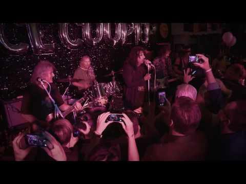 See Original Alice Cooper Band Perform Heavy 'I'm Eighteen'