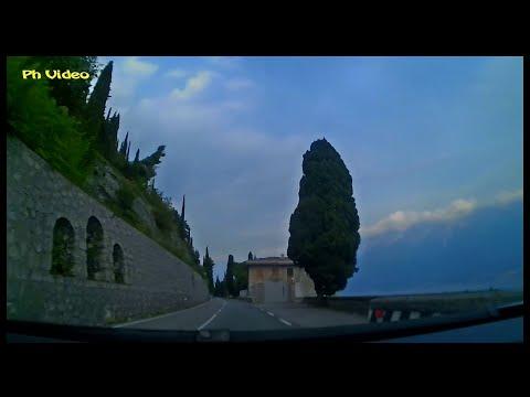 Italien, Gardasee - auf der Vio IV Novembre - Frontkamera / Italia, Lago di Garda - Vio IV Novembre