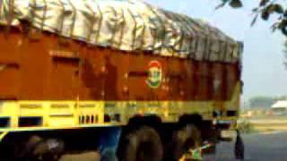 Gambar cover (lovetime0.wapka.mobi)India's 10wheels tata truck in heavy load