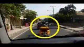 Video Aksi Arogan Konvoi MOGE Halangi Mobil Ambulans Di Bali