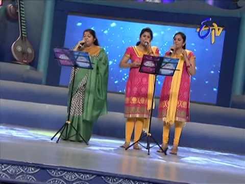 Swarabhishekam - Chithra,Gayatri, Pallavi Performance - Nammakameeyara Swamy Song - 10th August 2014