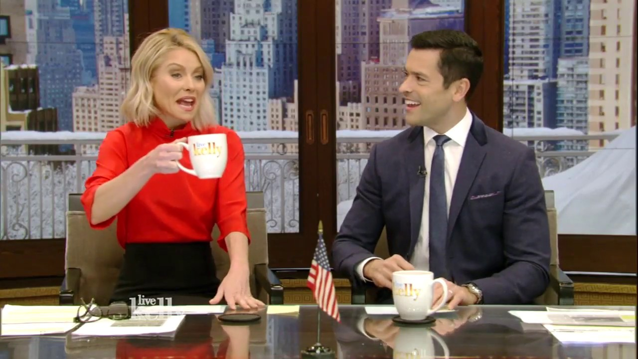 c1e072929 Kelly Ripa says her husband is now overcompensating in bed   Daily Mail  Online