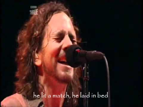 Pearl jam - Sad Lyrics | Reading Festival 06