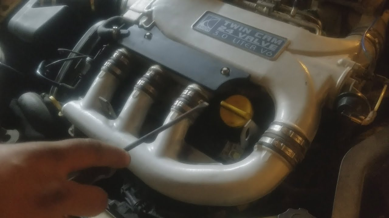 2005 saturn l300 coil pack and spark plug replacement youtube 2002 saturn l300 engine diagram http pic2flycom 2002saturnl300 [ 1280 x 720 Pixel ]