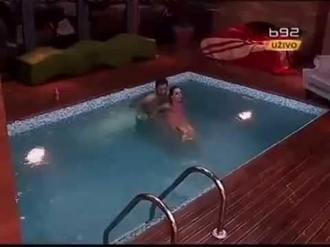 Havuzda Tecavüz