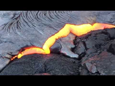 Amazing Lava Flow on Big Island Hawaii February 2017