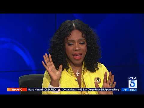 Sheryl Lee Ralph Shares the Crazy Things That Draw People Together In