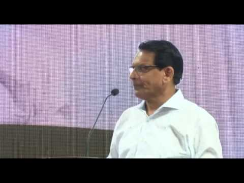 Shri Shantilal Muttha addressing the audience at BJS National convention 2014
