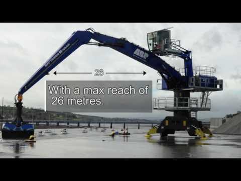 Mantsinen HybriLift 90M crane in operation at the Port of Teignmouth