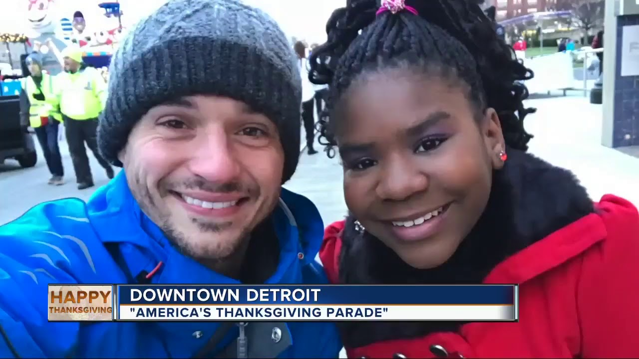 Thousands flock to America's Thanksgiving Parade in Detroit - YouTube