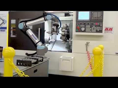 Universal Robots UR10 CNC Loading - BRAAS Robotics