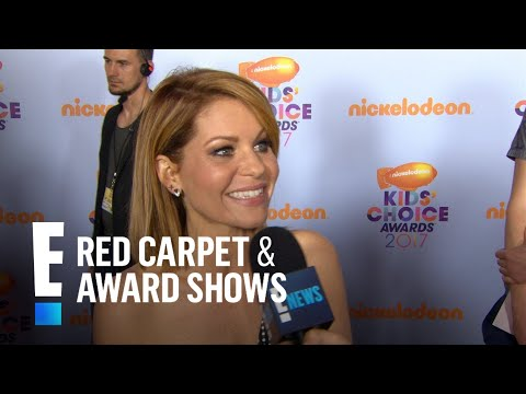 Candace Cameron Bure Walks Around With Toilet Seat Covers? | E! Live from the Red Carpet