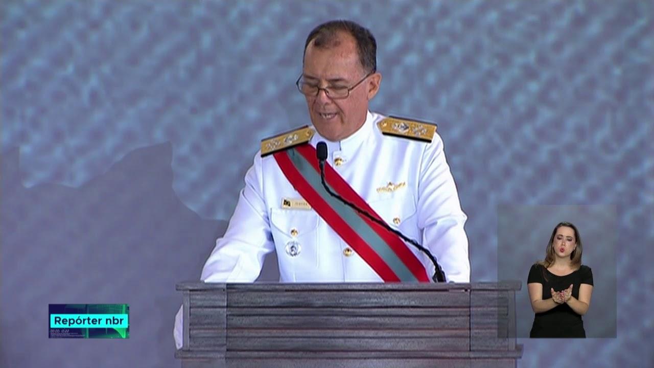 Novo comandante da Marinha assume cargo