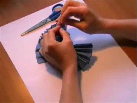 jak zrobic kwiatka z papieru [spryciarze.pl]