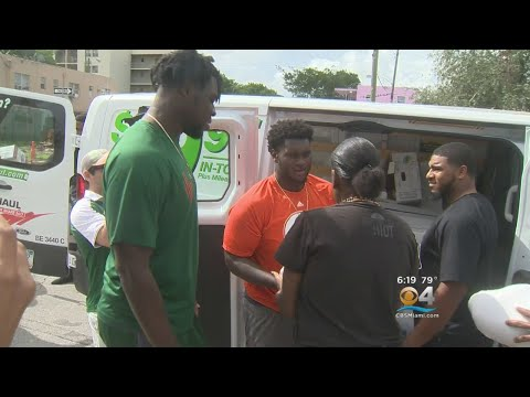 Hurricanes Football Players, Led By Junior Demetrius Jackson, Give Thanksgiving Turkeys To Needy Fam