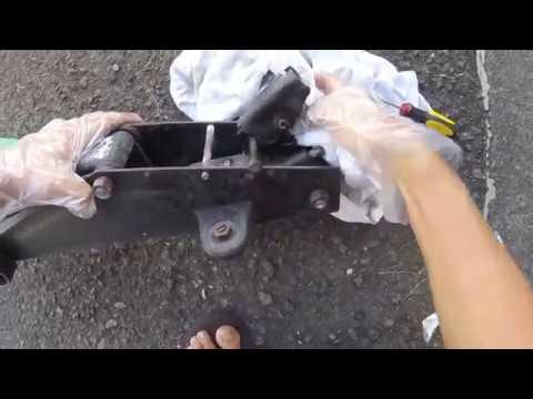 How to Repair a Leaky Hydraulic Floor Jack