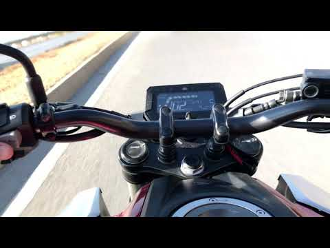Honda CB 125 R TOP 132 KM/H SPEED TWO PEOPLE