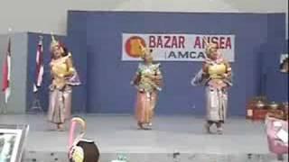 "Somapa Thai Dance Company in Mexico City, performs ""Krailas Samreung"""