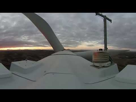 Feel the wind on top of a wind turbine!   ACCIONA 360º VIDEO