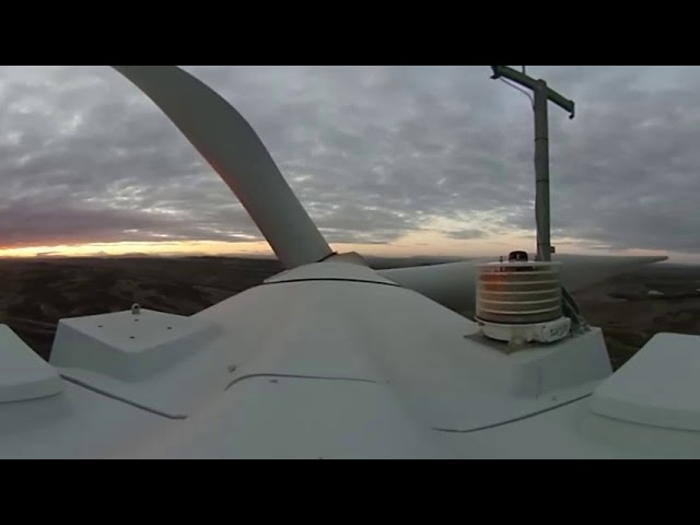 Feel the wind on top of a wind turbine! | ACCIONA 360º VIDEO