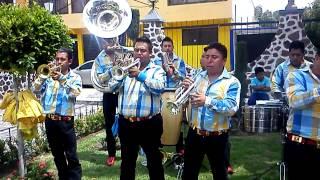 Banda Sierra Linda  EL VUELO DEL ABEJORRO