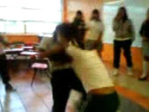 Chicas en la escuela pagando apuesta ver completo en httpdapalancomobdt - 4 6