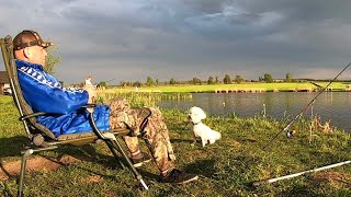 РЫБАЛКА С НОЧЕВКОЙ ловля КАРАСЯ в МАЕ 2020 отдыхаем на ПРИРОДЕ жарим МЯСО!