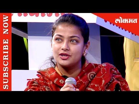 मुख्यमंत्री प्रथमच मुलाखतकाराच्या भूमिकेत... | Devendra Fadnavis to Praniti Shinde and Pankaja Munde