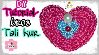 Download Video DIY 15 | Tutorial brooch love | Cara mudah membuat bros berbahan talikur | Bros Tali kur love ❤💙💚 MP3 3GP MP4