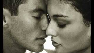 Tape Five ft.  Julia Topaz - Pousse L`Amour (High Quality)
