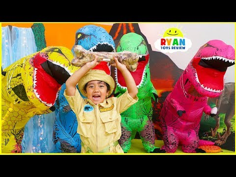 Ryan Pretend Play Visiting Real Life Jurassic World Dinosaurs!!!