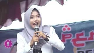 11 Maret Terbaru, Ustadzah Mumpuni  Meriding menyaksikan Hadirin tetap Semangat walaupun Hujan Deras