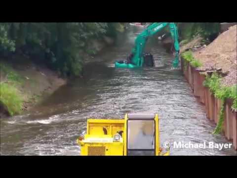Hochwasser Berlin-Wittenau Norgraben Baugerät überflutet am 30.06.2017