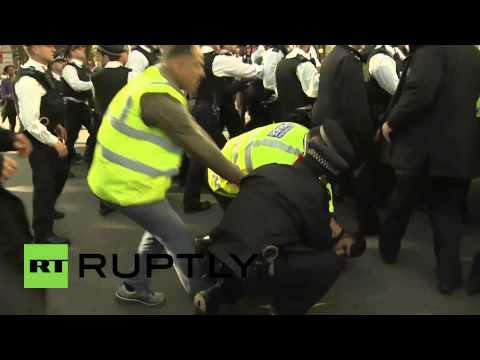 UK: See police, protesters CLASH outside Houses of Parliament