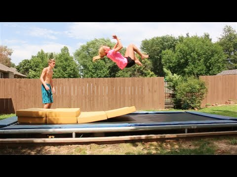 TRYING TO TEACH MY MOM A BACKFLIP!