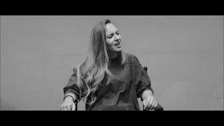 Baixar Loretta Vadon - Invisible (Official Music Video)