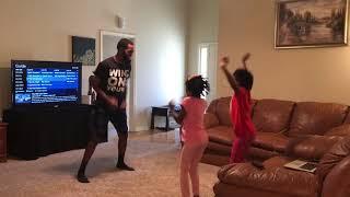 girls teach dad how to do the floss dance wow