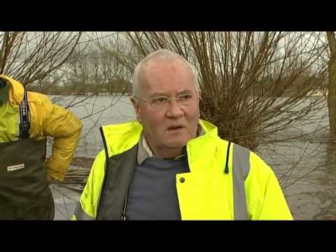 "Floods in Somerset: ""Would you let this happen in Holland? I don't think so"""