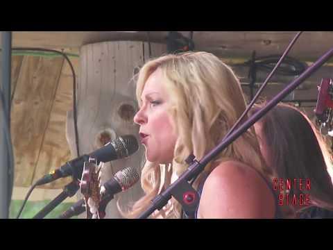Rhonda Vincent performs Darrington Bluegrass Festival 07-22-17