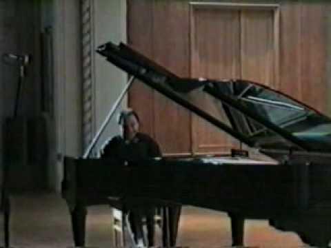 Igor Kamenz plays Liszt, Sonata in b minor (2/4)