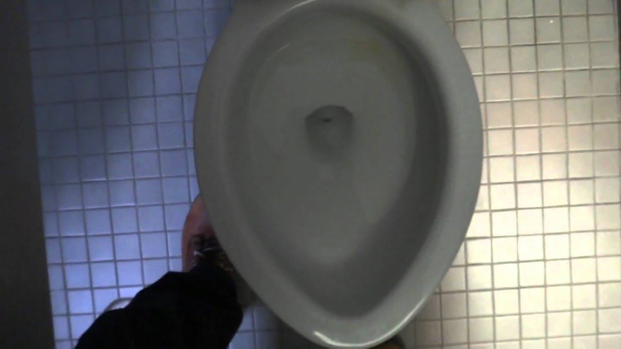 Bathroom tour 1960s crane plumbing toilets oxford for Bathrooms r us clayton