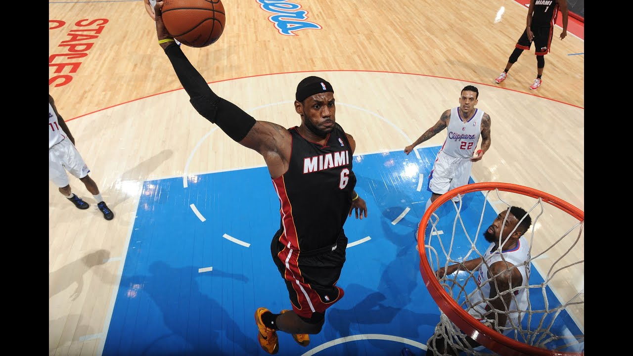 444669734194 LeBron James Explodes on the Rim with the Tomahawk Jam - YouTube