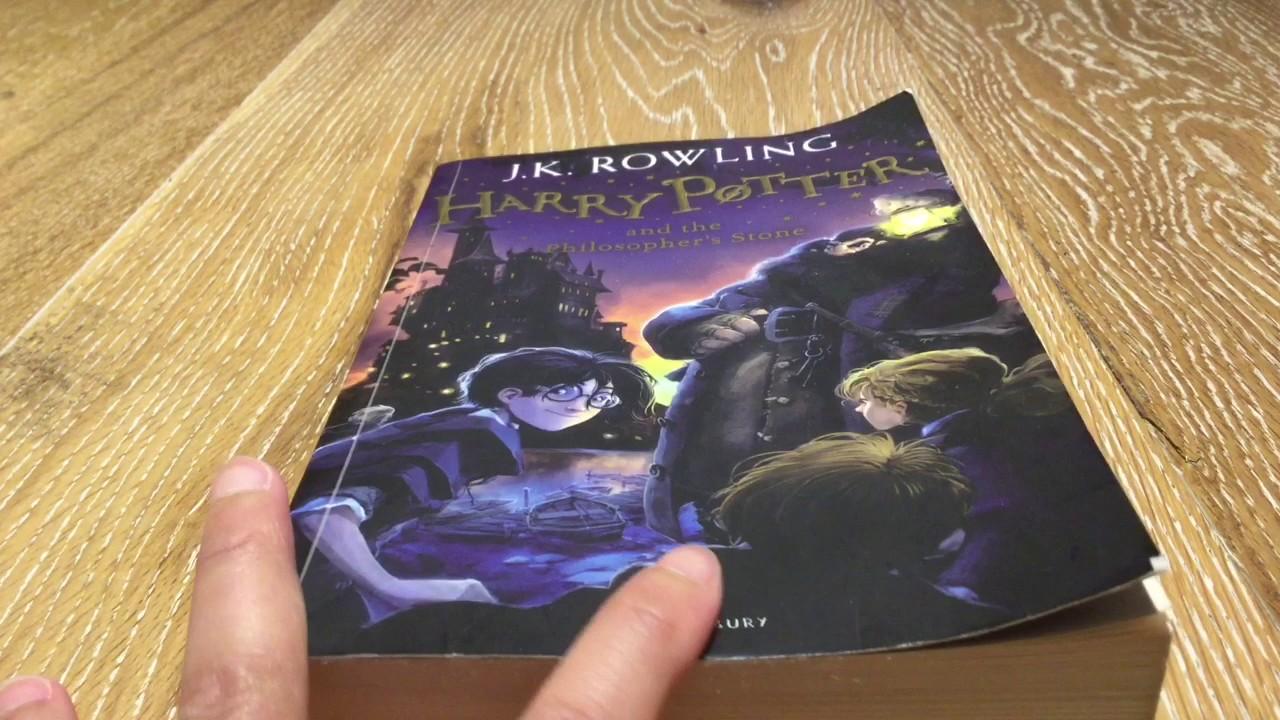 "Setelah Konsultasi dengan Pengusir Setan, Seorang Pastor Tarik ""Harry Potter"" dari Perpustakaan"