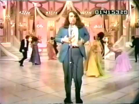 "Tiny Tim sings ""Great Balls of Fire"""